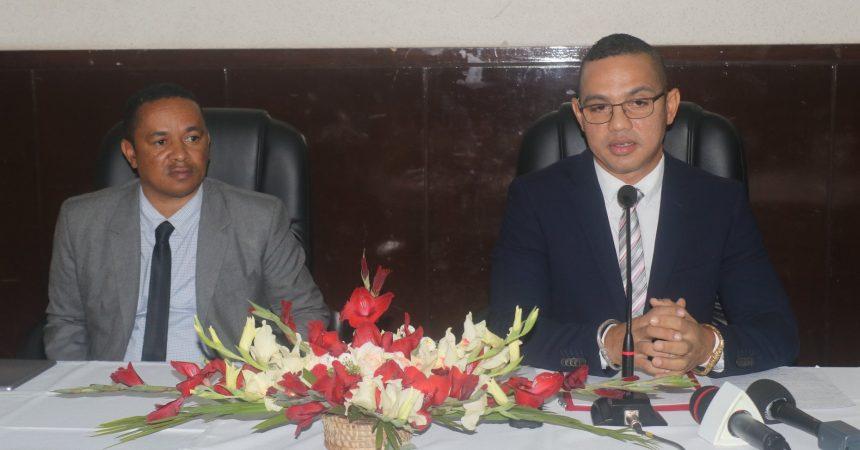 Conférence de presse sur la Coupe d'Afrique des Nations, avec la présence du Ministre des Sports Roberto Tinoka.