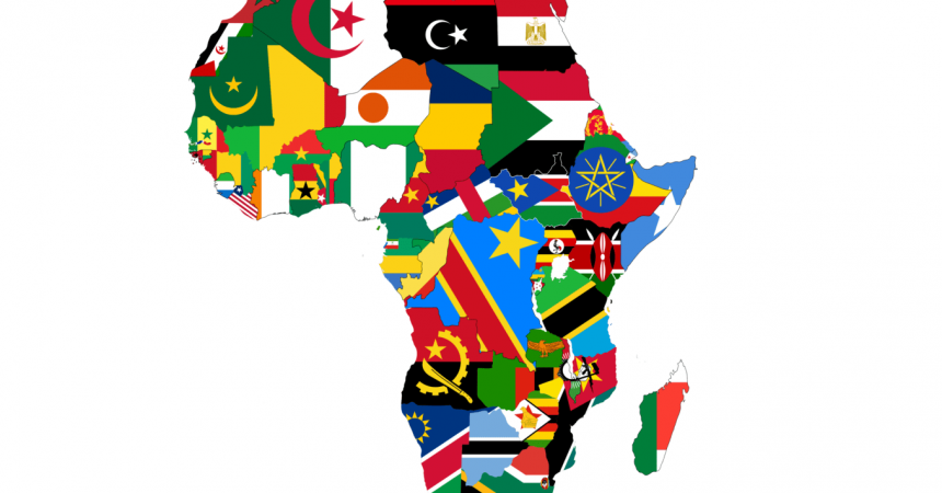 Carte de l'Afrique avec les drapeaux de chaque pays