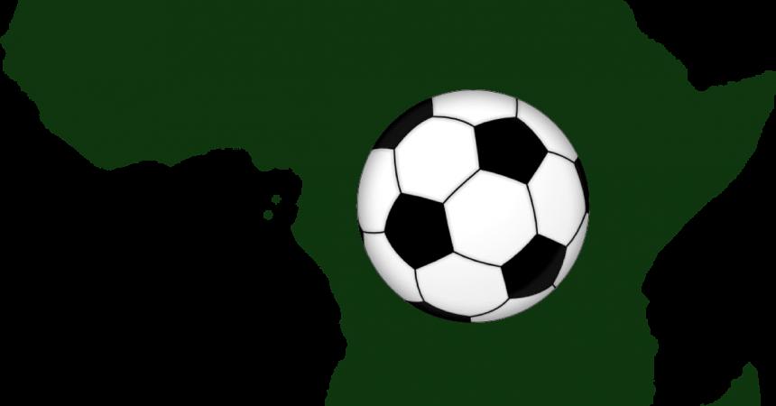 Carte de l'Afrique avec un ballon de football sur le continent
