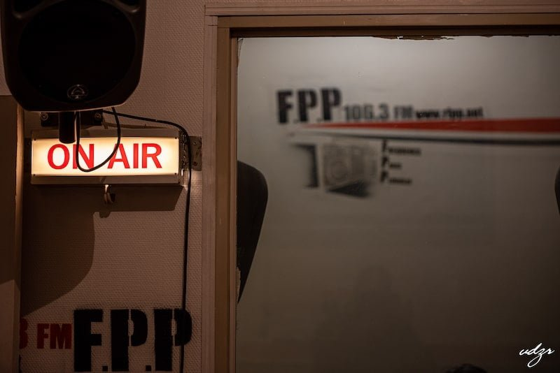 Interview Madagascar Media chez la radio Fréquence Paris Plurielle