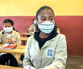 Madagascar : Gestion Covid-19, Le gouvernement va-t-il trop loin ?